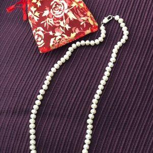 Jewelry - Genuine Pearl Necklace
